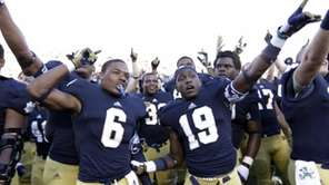 Notre Dame cornerback KeiVarae Russell (6) and wide