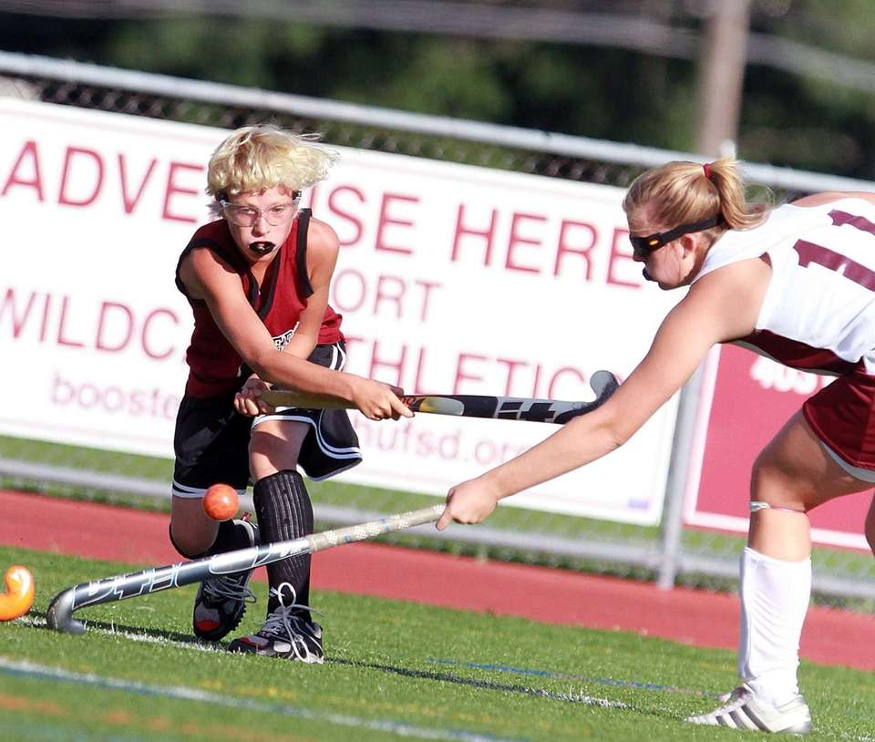 Southampton field hockey player Keeling Pilaro tries to