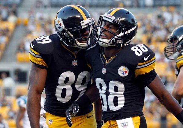 Pittsburgh Steelers wide receiver Emmanuel Sanders celebrates with