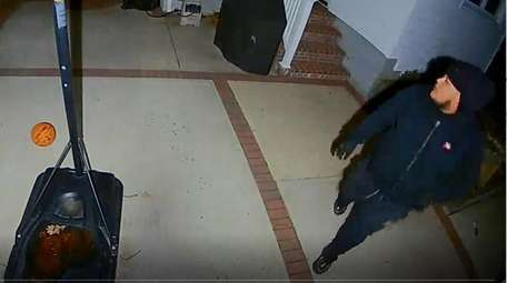 Security camera footage of a male suspect Nassau
