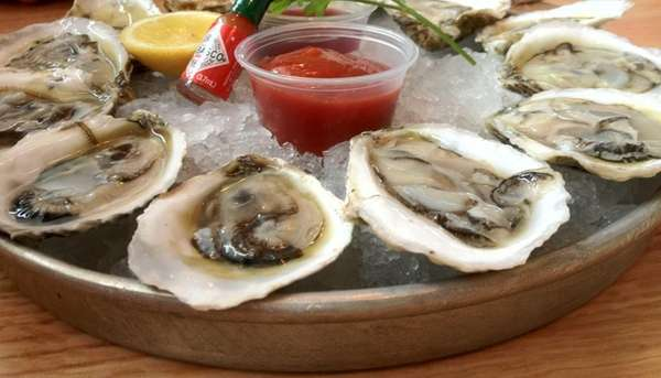 Blue Canoe Oyster Bar (104 3rd St.): One