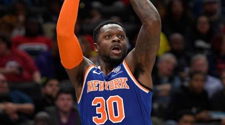Knicks forward Julius Randle shoots during the first