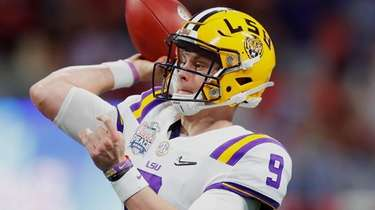 LSU quarterback Joe Burrow throws against the Oklahoma
