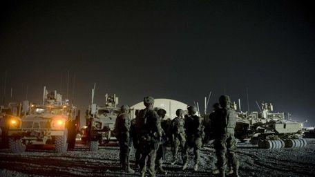Infantry men from 1st platoon, Delta co. attend