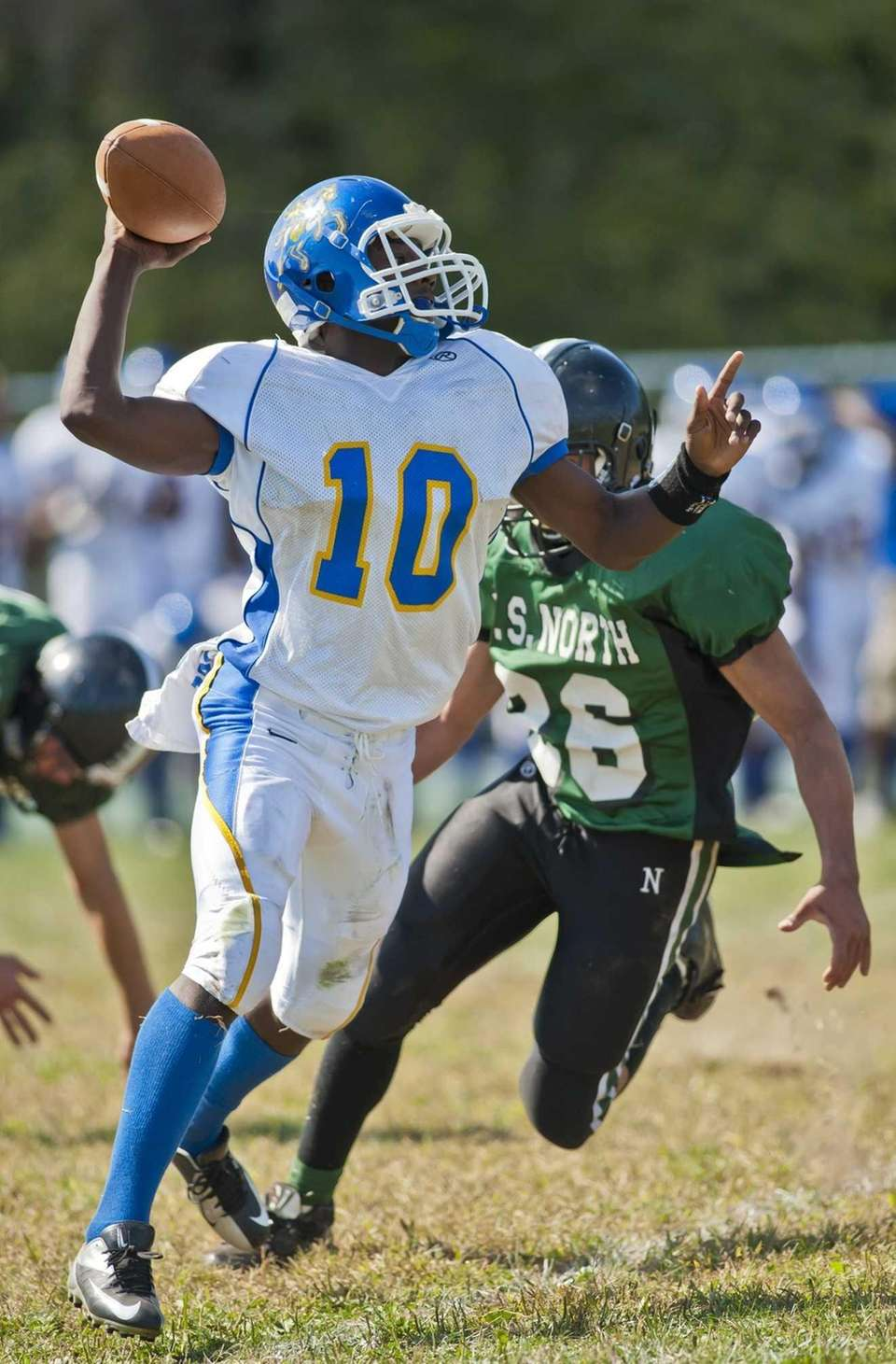 Roosevelt's Marquell Saunders picks up a loose ball