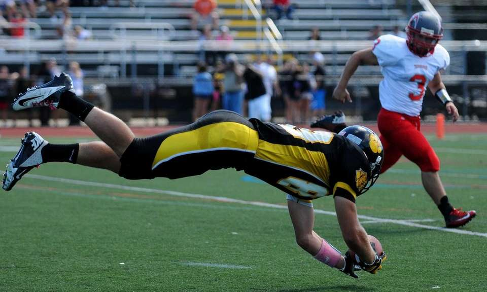 Commack's Paul Maline just misses a catch during