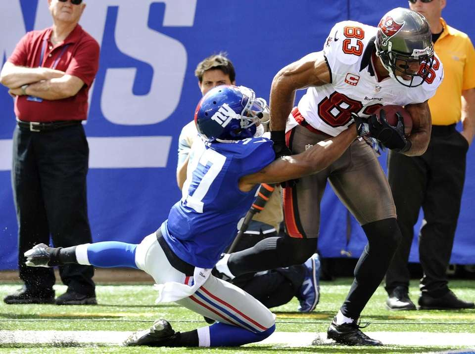 Tampa Bay Buccaneers wide receiver Vincent Jackson (83)