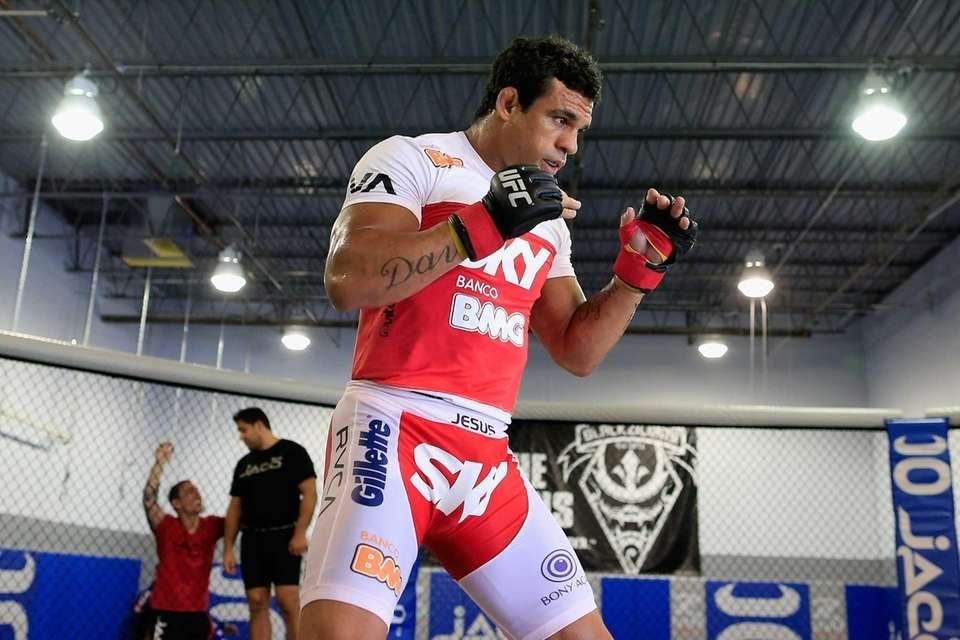 Vitor Belfort conducts a workout at the Jaco