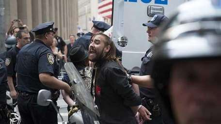 Police arrest supporters of the Occupy Wall Street