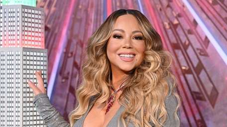 Mariah Carey lights the Empire State Building in