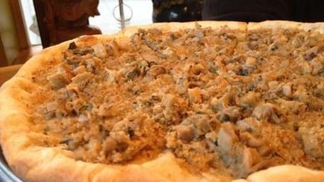The clam pizza at Foody's in Water Mill