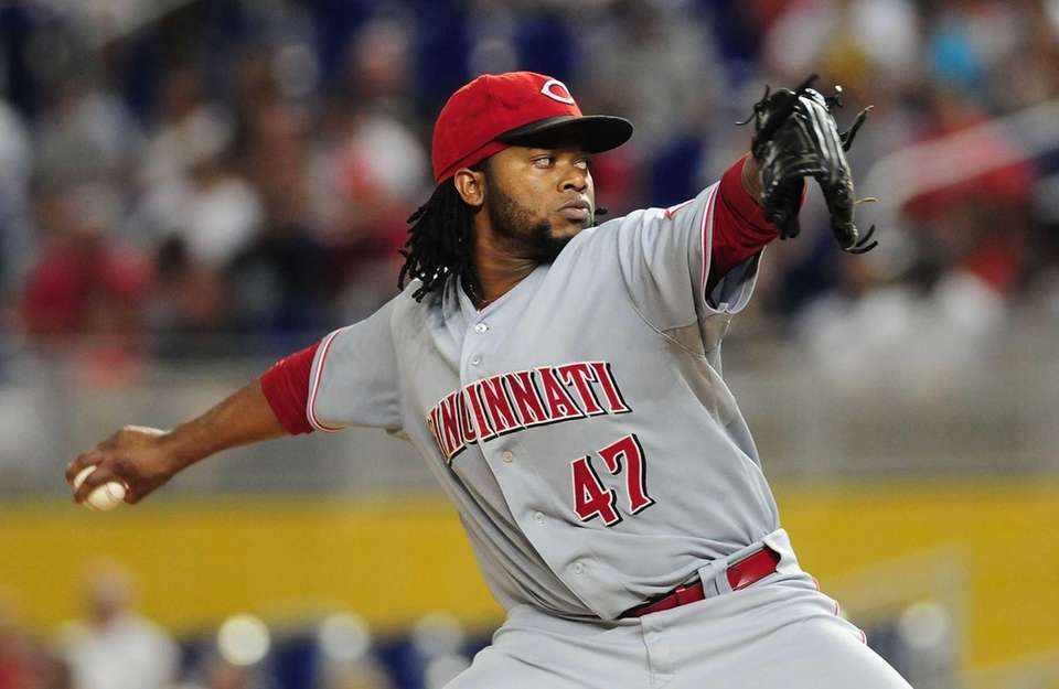 Johnny Cueto of the Cincinnati Reds pitches during
