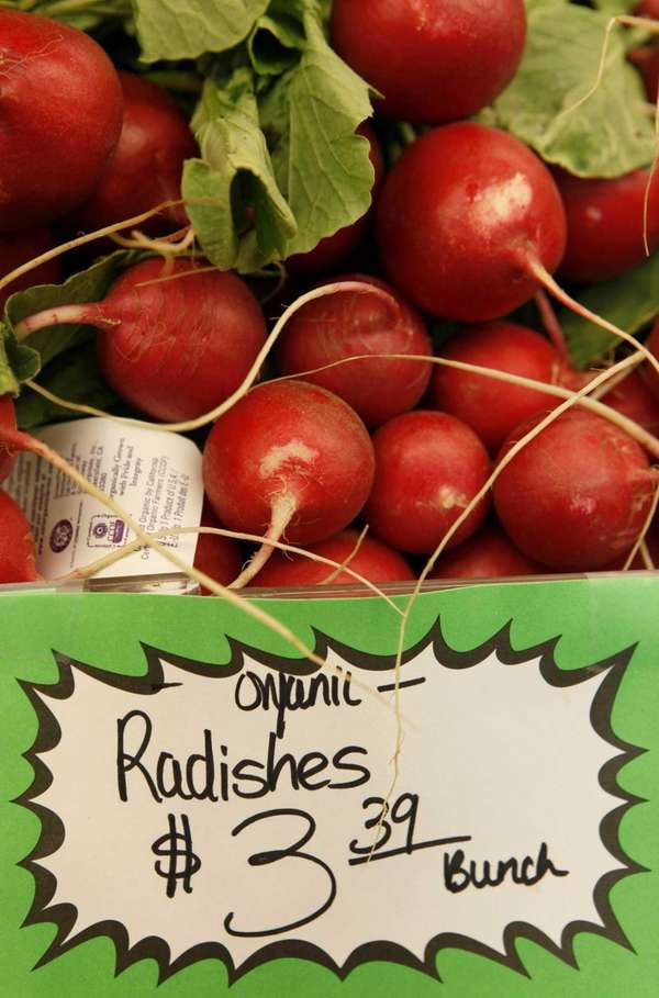 Organic radishes at the Pacifica Farmers Market in