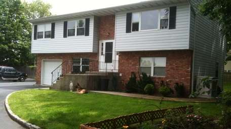 This Oyster Bay house is available with a