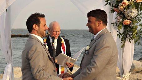Robert Vitelli and David Kilmnick on their wedding