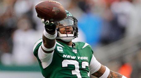 Jamal Adams of the New York Jets celebrates