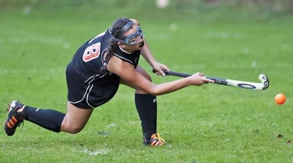 Babylon's Michelle Mangini drills the game-winning goal past