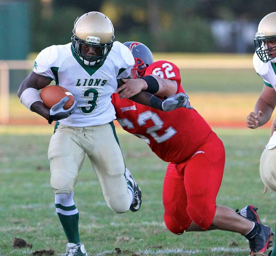 Longwood running back Isiah White shakes off Connetquot