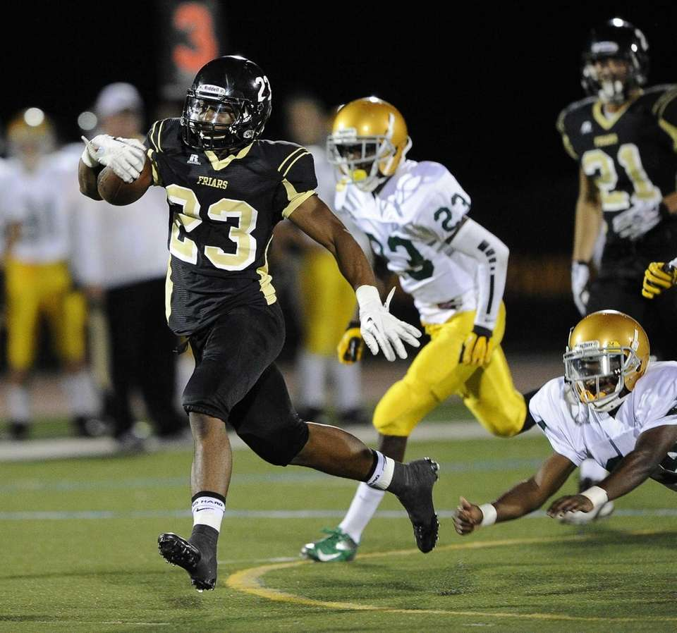 St. Anthony's Jordan Gowins drives the ball to