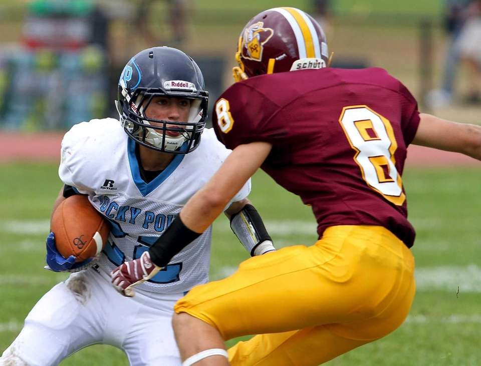 Rocky Point receiver Alex Borga looks to avoid