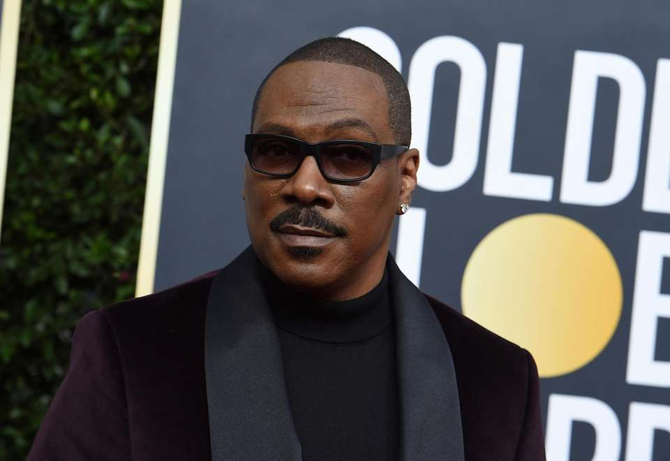 Eddie Murphy arrives at the 77th annual Golden