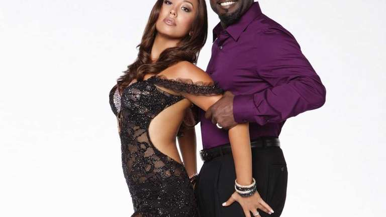 Emmit Smith partners with two-time champ Cheryl Burke
