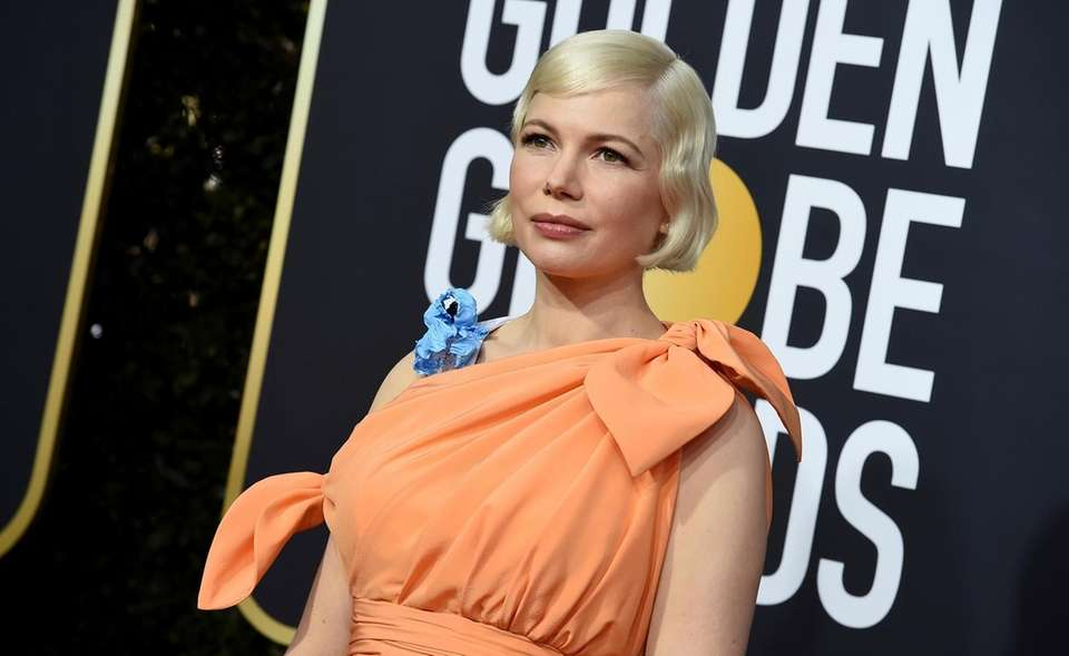 Michelle Williams arrives at the 77th annual Golden