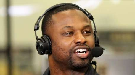 Bart Scott was paired with Alan Hahn a