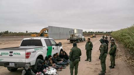 Border Patrol agents detain undocumented immigrants caught near