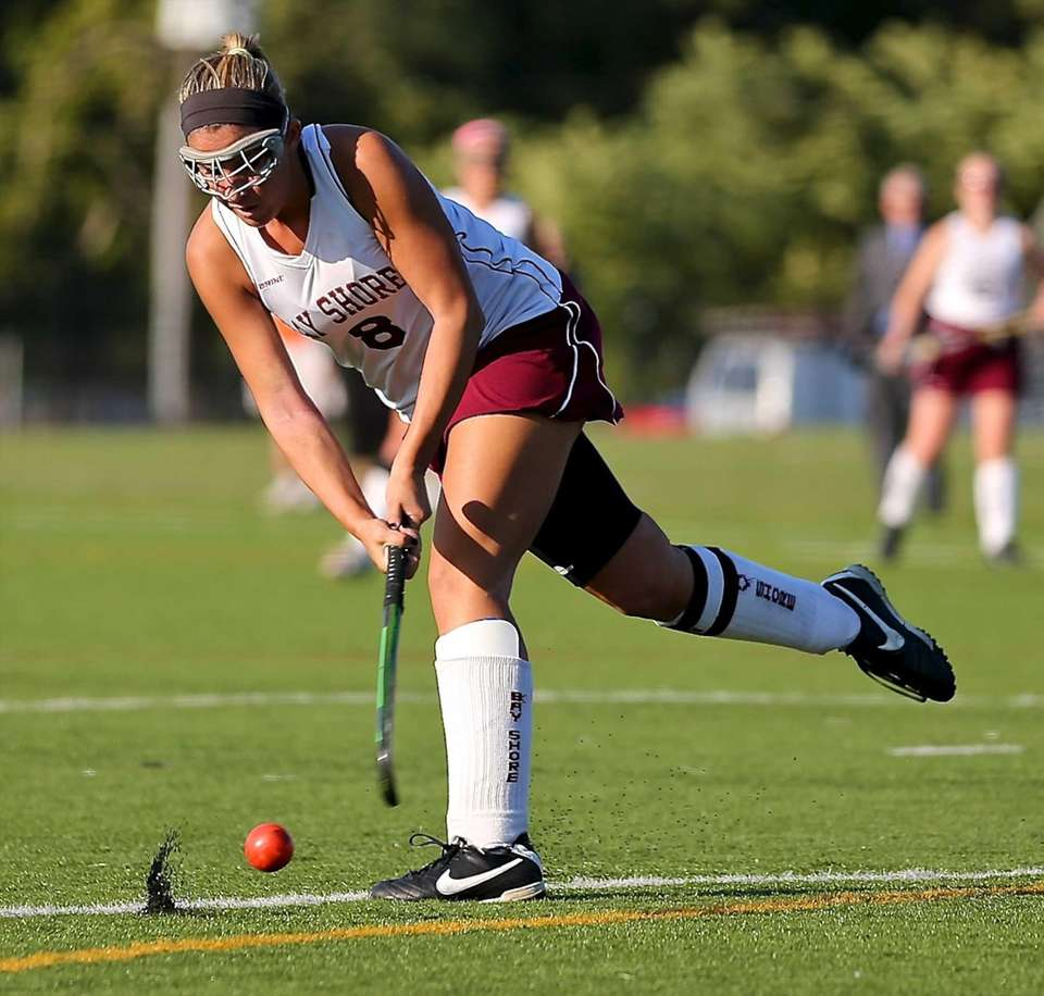 Bay Shore's Liz Athing puts the shot on