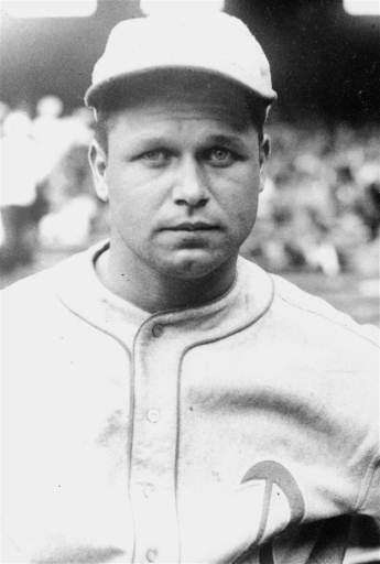 1933: JIMMIE FOXX | Philadelphia Stats: .356 average,
