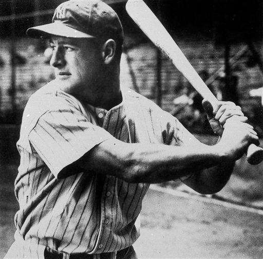 1934: LOU GEHRIG | Yankees Stats: .363 average,