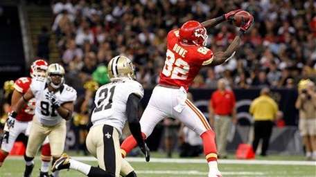 WR DWAYNE BOWE, Kansas City Chiefs vs. San