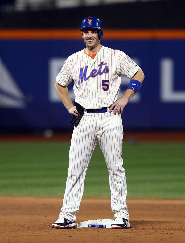 David Wright smiles after his fourth-inning infield single