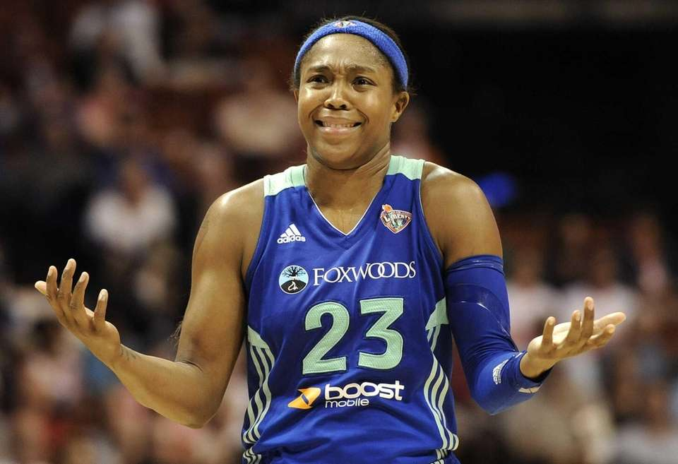Cappie Pondexter reacts during the second half of