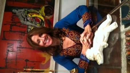 Laurie Scheinman, a veteran family therapist, is offering