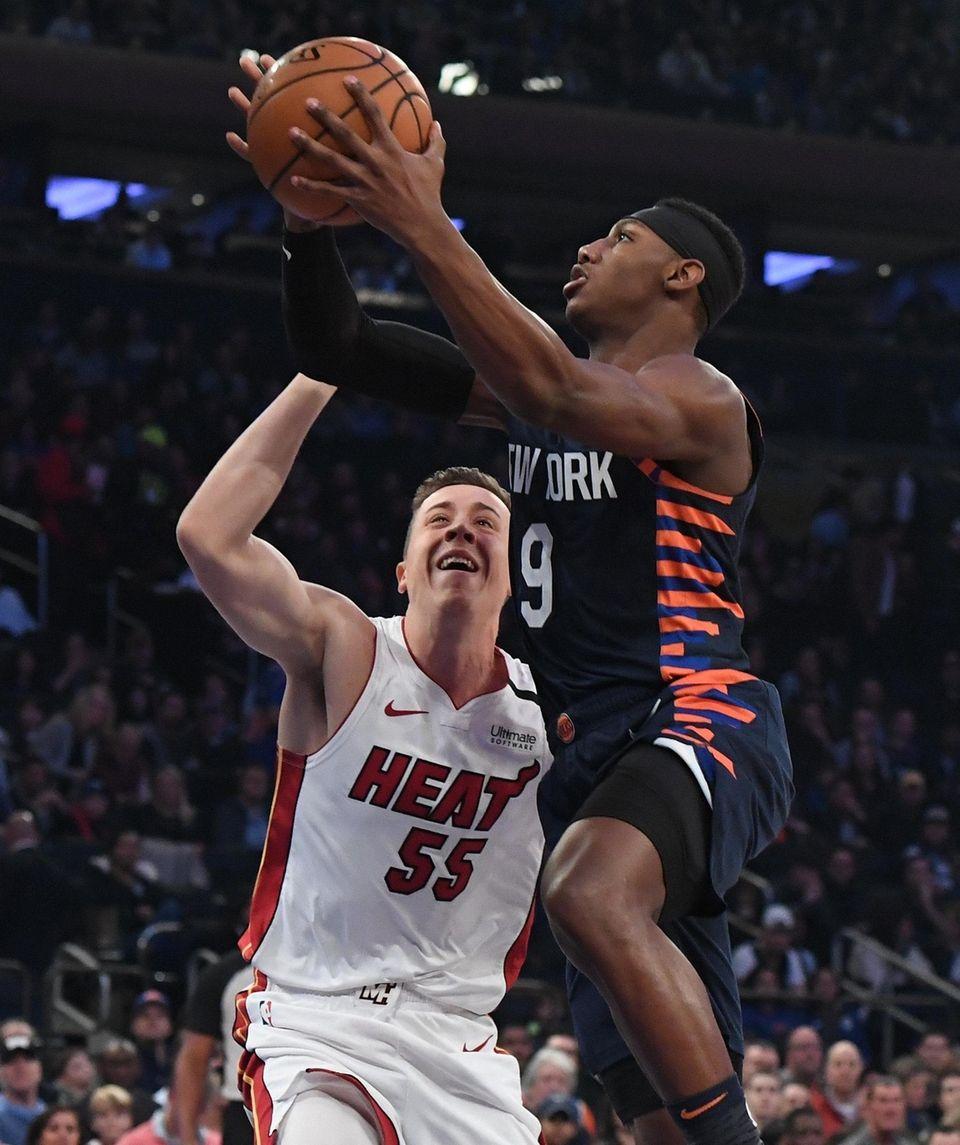 New York Knicks guard RJ Barrett shoots a