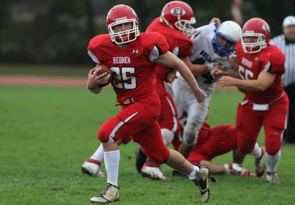 East Islip's Matt Walter breaks free of the