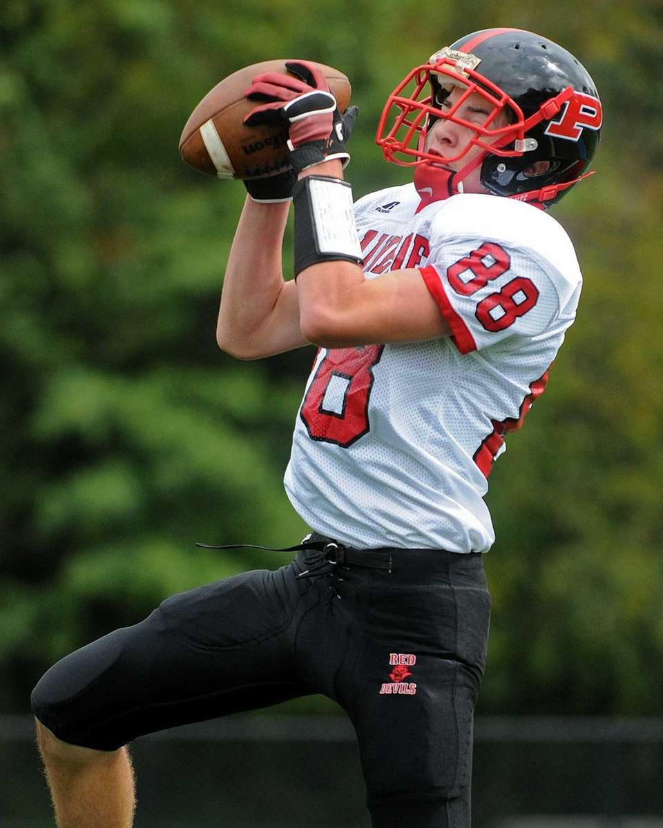 Plainedge wide receiver John Danielo makes a catch
