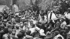 Refugees from the Spanish Civil War crowd the
