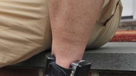 Alcohol monitoring ankle bracelet. (July 6, 2011)