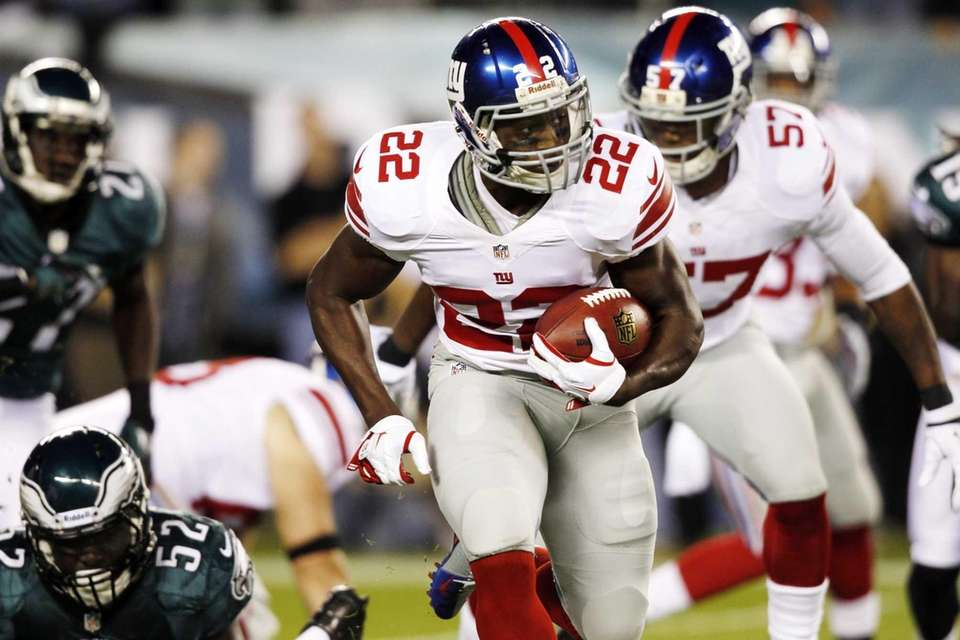 Giants running back David Wilson (22) carries during