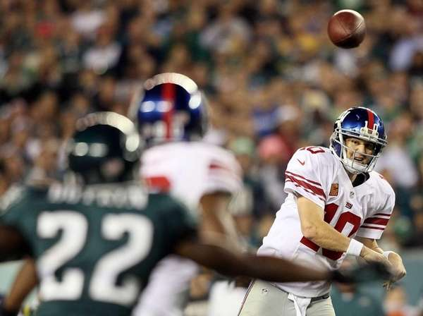 PHILADELPHIA, PA - SEPTEMBER 30: Quarterback Eli Manning