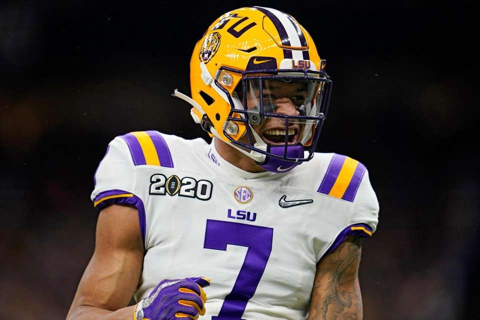 LSU safety Grant Delpit celebrates during the first