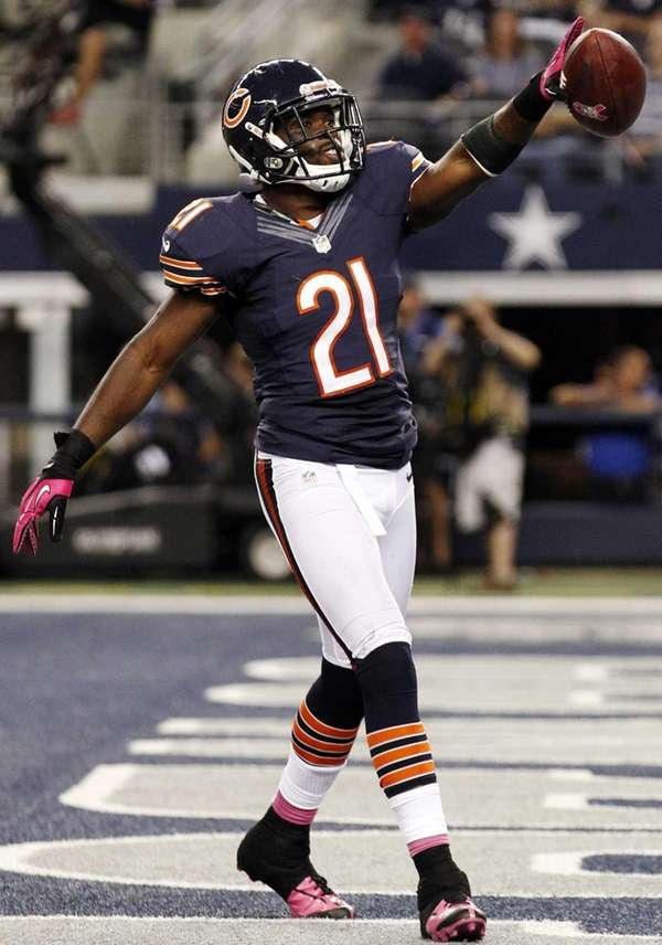 Chicago Bears strong safety Major Wright celebrates his