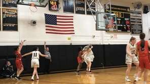 Highlights of Floral Park's 57-49 victory over Wantagh