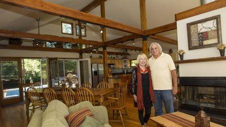 Nia Demiray and her partner David Lindner in