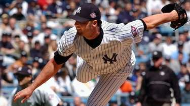Yankees starting pitcher Roger Clemens against the Tampa