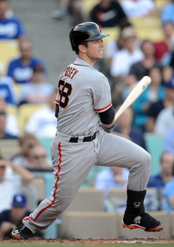 Buster Posey grounds out to score Marco Scutaro