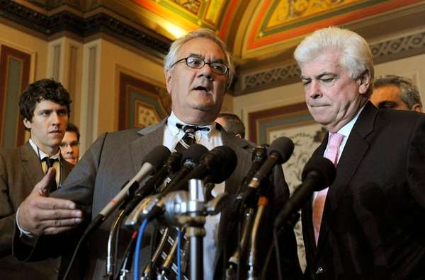 U.S. Rep. Barney Frank (D-MA), left, and U.S.